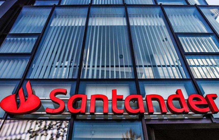 [Manifestantes protestam contra metas abusivas e demissões no Santander]