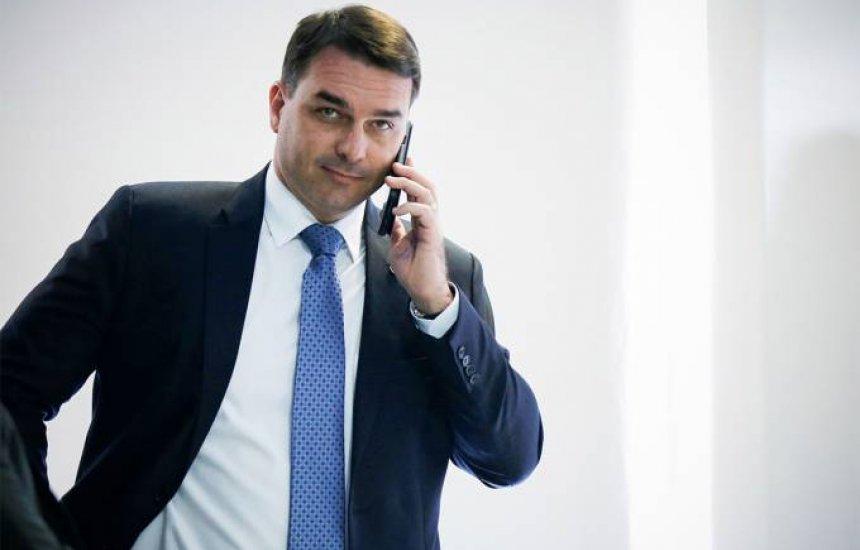 """[Com nova defesa, Flávio Bolsonaro quer depor sobre """"rachadinhas""""]"""