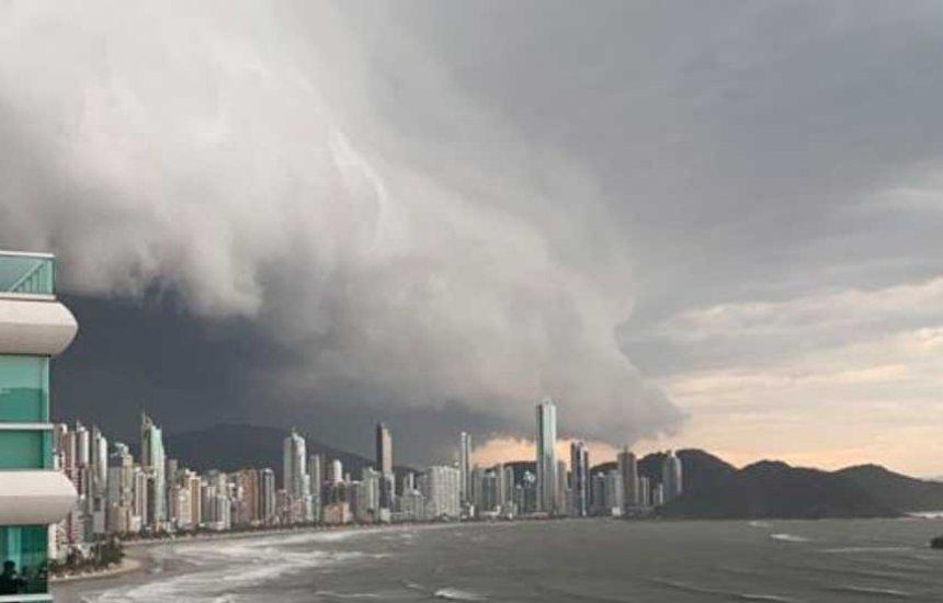 [Marinha informa que 'ciclone bomba' deve atingir o Sudeste e efeitos podem chegar à Bahia]