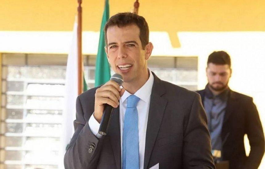 [Olavistas e militares fazem pressão para Bolsonaro desistir de Feder para o MEC]