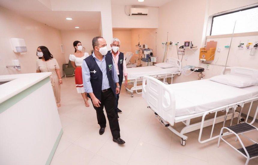 [Leitos de UTI contratados no Hospital Santa Helena para pacientes com Covid-19 passam por vistoria]