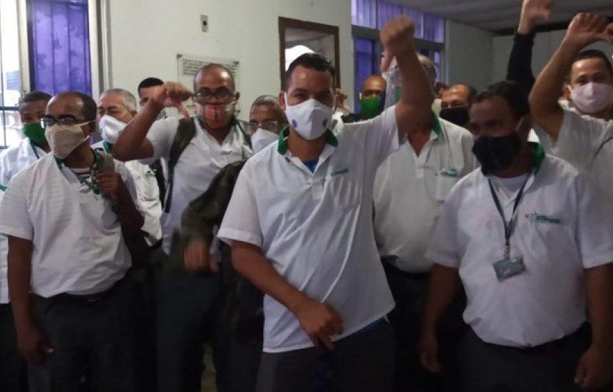 [Ônibus com rodoviários é assaltado no bairro de São Caetano: 'Agrediram a gente']