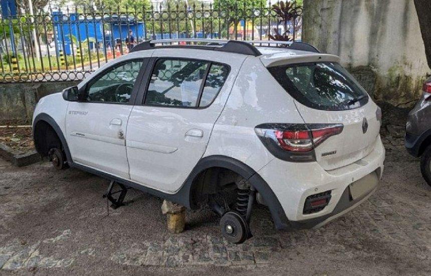 [Médico tem pneus de carro furtados enquanto atendia pacientes com covid-19]
