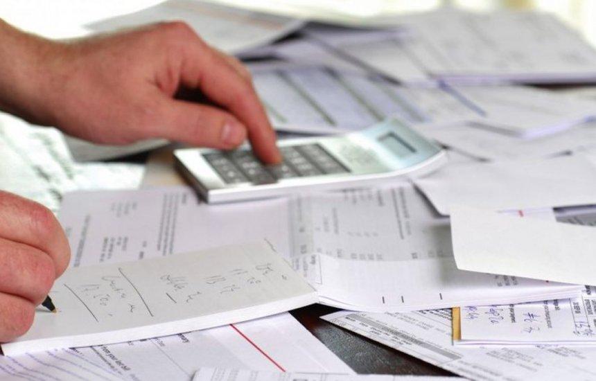 [Empresas têm dificuldade para pagar contas, e calotes devem aumentar]