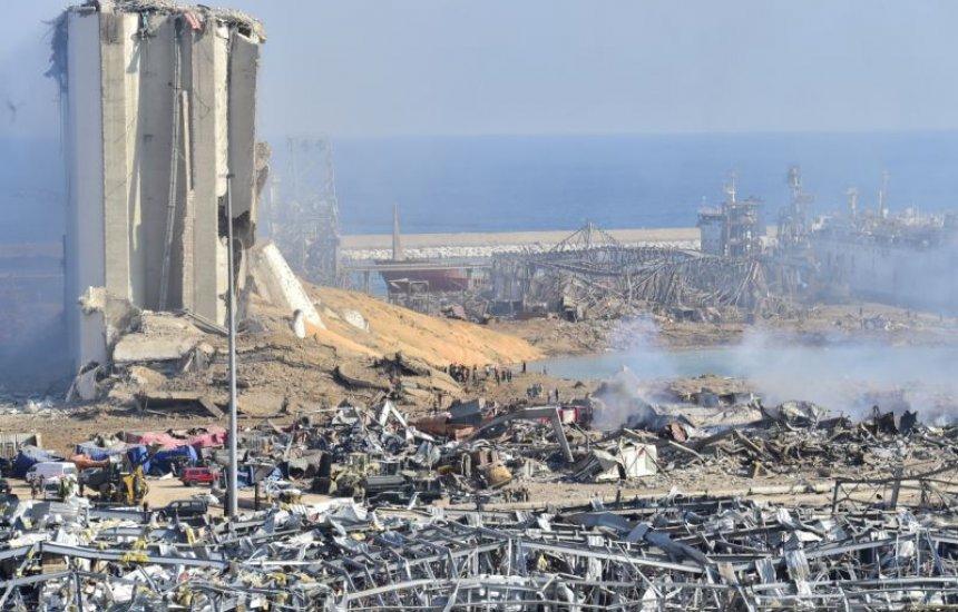 Equipes buscam sobreviventes de explosão que matou mais de 100 em Beirute