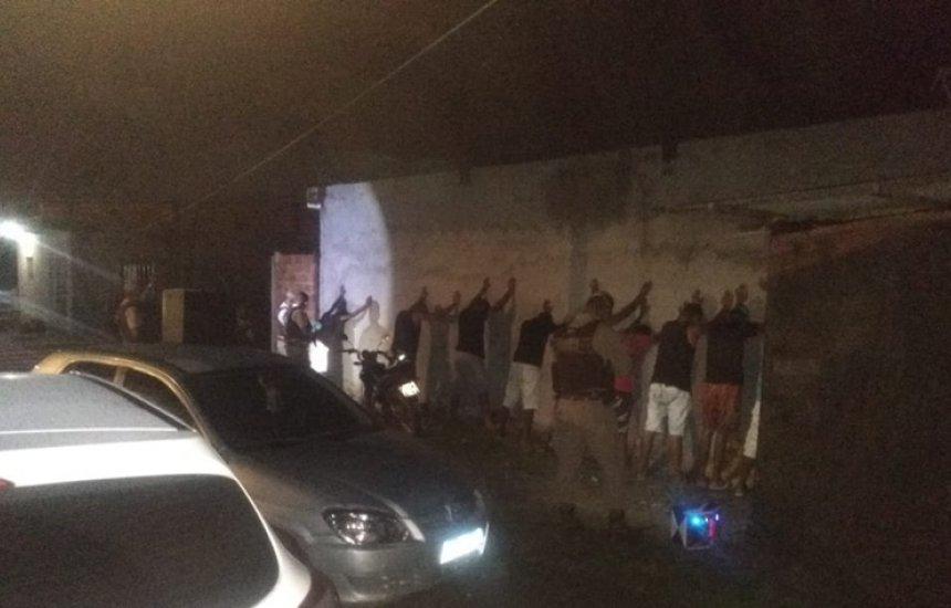 [20 pessoas são conduzidas à delegacia após serem flagradas em festa no Verde Horizonte]