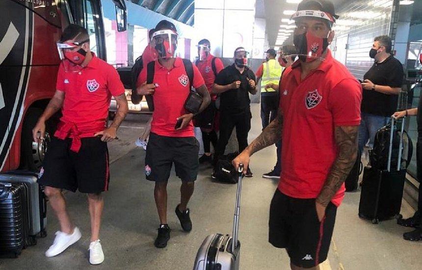Com 22 atletas, Vitória viaja para primeiro jogo fora na Série B