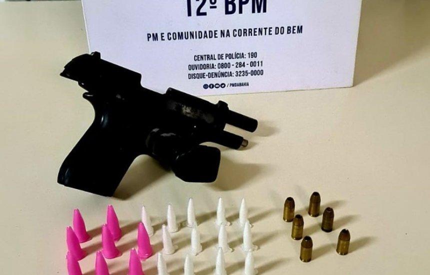 [Polícia prende homem com 25 pinos de cocaína e uma pistola na Gleba E]