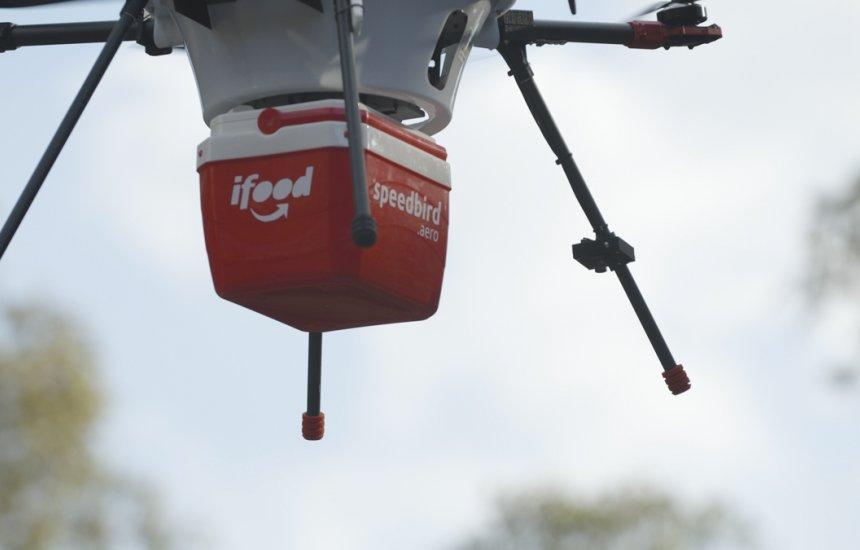 [iFood começará testes para utilizar drones em sistema de entregas]