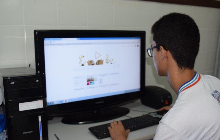 [Governo assina decreto e viabiliza internet com maior velocidade nas escolas da Bahia]