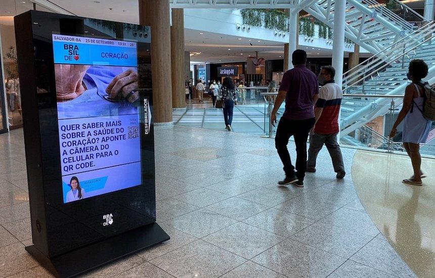 [Shoppings de Salvador são equipados com desfibriladores]
