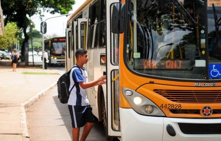 [Proposta prevê reserva de vagas para jovens de baixa renda em ônibus semiurbano]