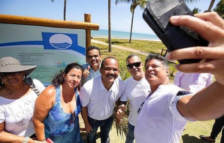 [Vereador Jorge Curvelo parabeniza ao prefeito Elinaldo pelas certificações Bandeira Azul]