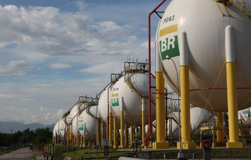[Governo autoriza Petrobras a importar gás da Bolívia]