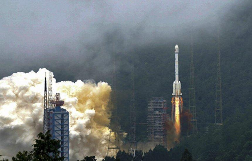 [China coloca em órbita o primeiro satélite com tecnologia 6G do mundo]