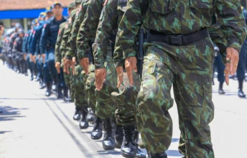 [Policiais e militares eleitos prefeitos crescem 39% no Brasil]