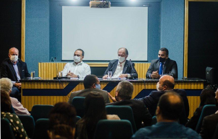 [Vereadores de Camaçari reúnem-se com representantes da SDE e Serin para tratar do fechamento da Ford]