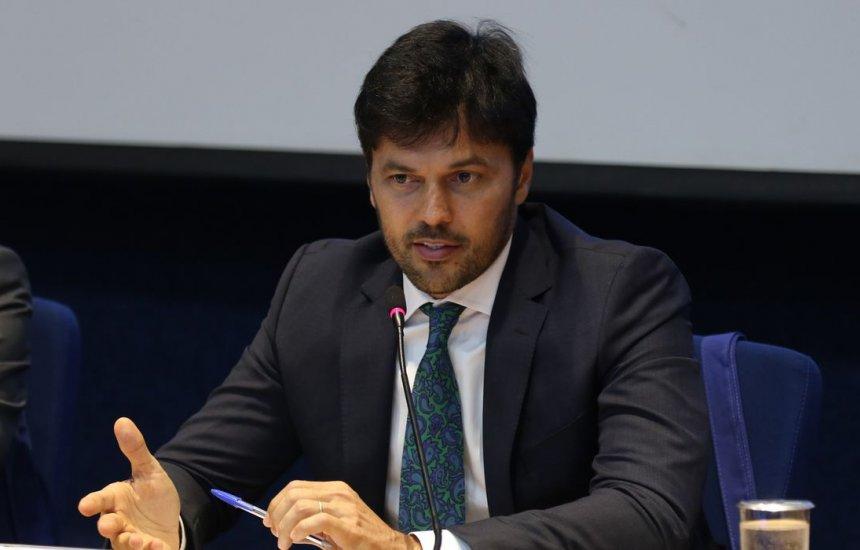 [Insumos para 12 milhões de doses de vacina devem chegar ao Brasil]