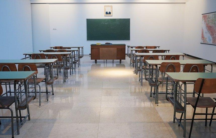 Decreto mantém aulas presenciais suspensas em Lauro de Freitas