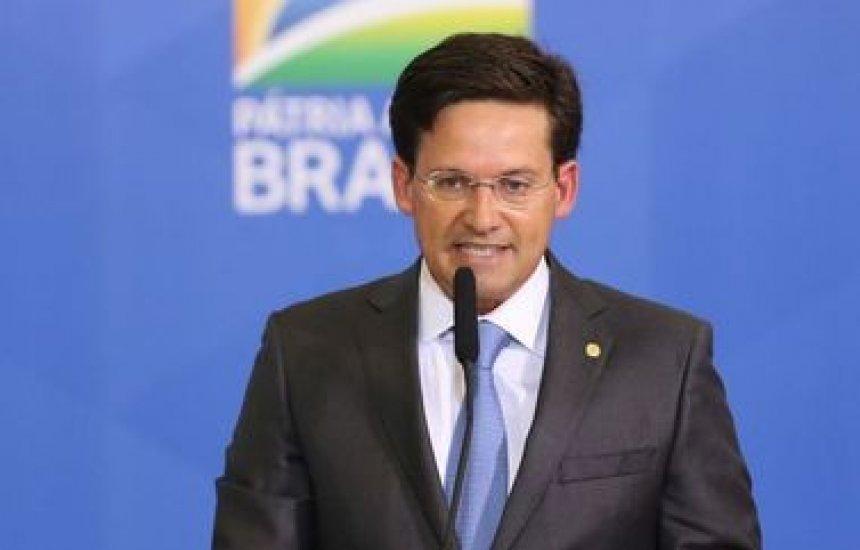 [Auxílio Brasil deve beneficiar 17 milhões de pessoas, diz João Roma]