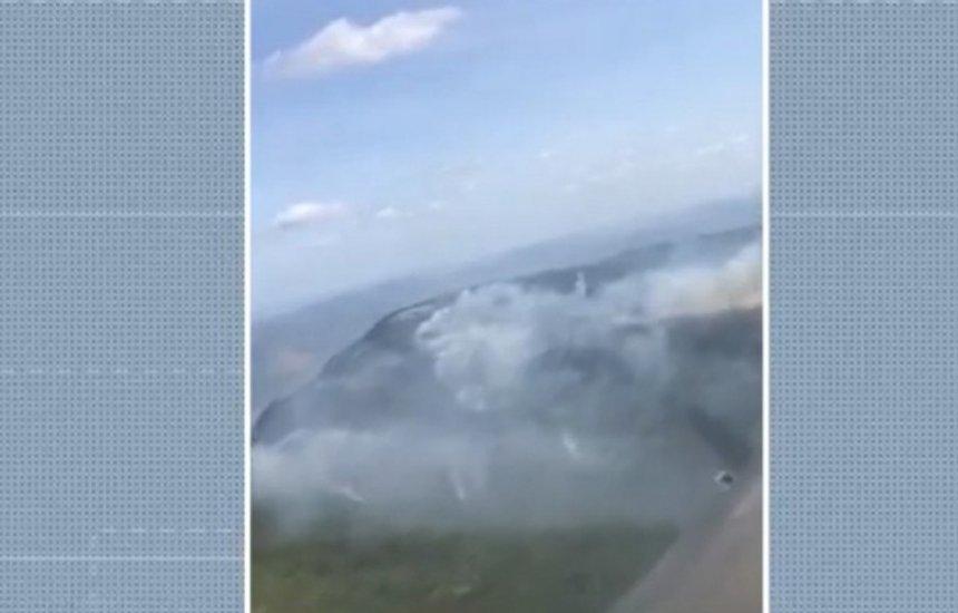 [Chapada Diamantina: brigadistas continuam no combate ao incêndio florestal no Parque das Sete Passagens]