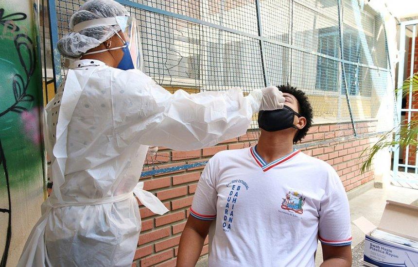 [Covid 19: 180 mil estudantes e funcionários de escolas públicas farão testagem na Bahia]