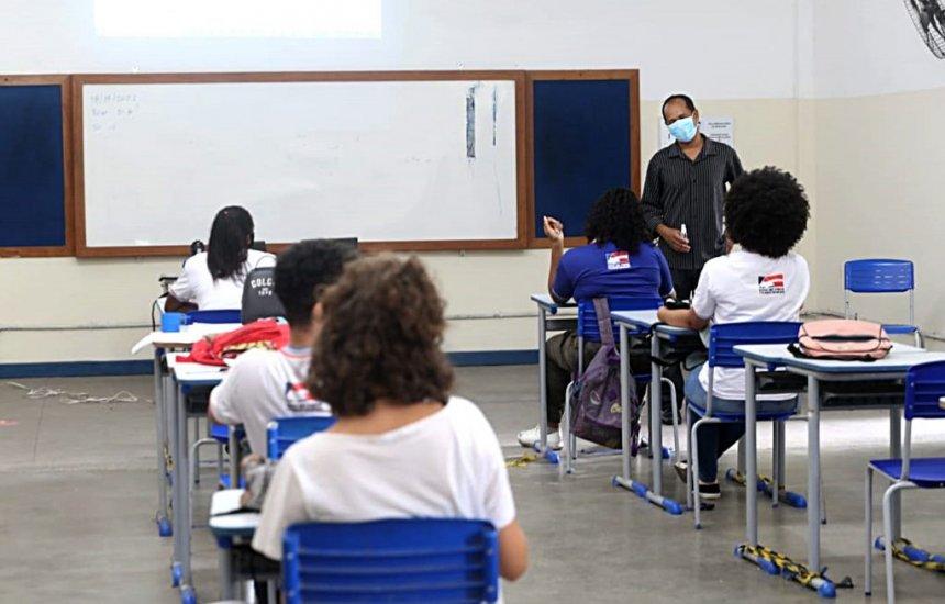 [Aulas 100% presenciais são retomadas na rede estadual de ensino de toda a Bahia]